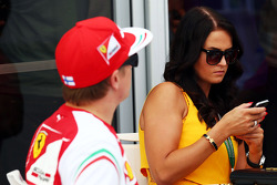 Kimi Raikkonen, Ferrari con su novia Minttu Virtanen (FIN)