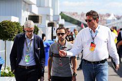 Alessandro Alunni Bravi, Fahrermanager; Nicolas Todt, Fahrermanager, Gerard Neveu, WEC-Boss