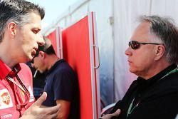Claudio Albertini, Ferrari, Leiter Kundensportprogramm; Gene Haas, Haas Automotion, Präsident