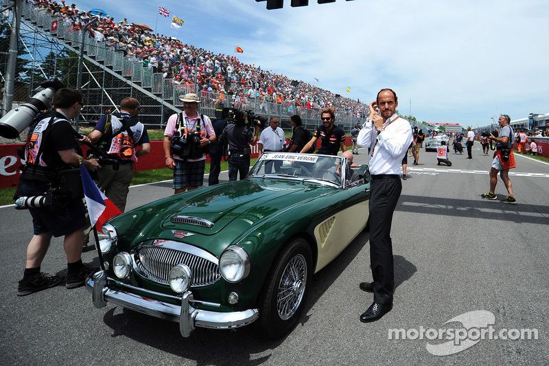 Jean-Eric Vergne, Scuderia Toro Rosso e Alex Molina alla parata dei piloti