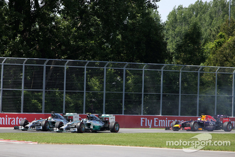 Start of the race, Lewis Hamilton, Mercedes AMG F1 Team ans Nico Rosberg, Mercedes AMG F1 Team  08
