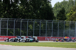 Start of the race, Lewis Hamilton, Mercedes AMG F1 Team ans Nico Rosberg, Mercedes AMG F1 Team  08
