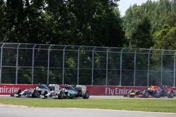 Arrancada Lewis Hamilton, Mercedes AMG F1 Team y Nico Rosberg, Mercedes AMG F1 Team 08