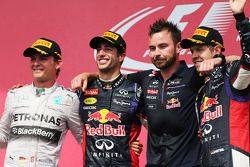 Podium: 1. Daniel Ricciardo, Red Bull Racing; 2. Nico Rosberg, Mercedes AMG F1; 3. Sebastian Vettel,