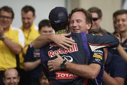 Race winner Daniel Ricciardo, Red Bull Racing celebrates with Christian Horner, Red Bull Racing Team