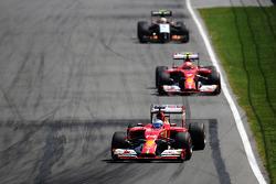 Fernando Alonso, Ferrari F14-T leads Kimi Raikkonen, Ferrari F14-T