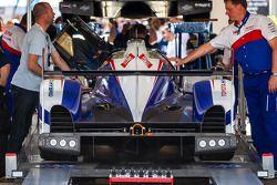 #7 Toyota Racing Toyota TS 040 - Hybrid under scrutineering tent