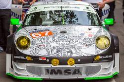 #67 IMSA Performance Matmut Porsche 911 GT3 RSR (997)