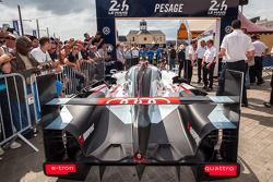 #1 Audi Sport Team Joest Audi R18 E-Tron Quattro : Arrivée aux vérifications techniques