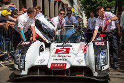 #2 Audi Sport Team Joest Audi R18 E-Tron Quattro : Arrivée aux vérifications techniques