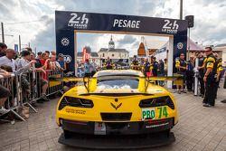 #74 Corvette Racing Chevrolet Corvette C7 arriving at scrutineering