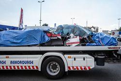 Das Auto von Loic Duval, #1 Audi Sport Team Joest, Audi R18 e-tron quattro, nach Crash