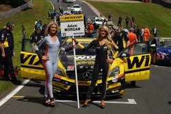 Wix Racing grid kızları