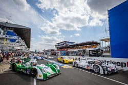 Start of practice session: #20 Porsche Team Porsche 919 Hybrid: Timo Bernhard, Mark Webber, Brendon Hartley and #42 Caterham Racing Zytek Z11SN - Nissan: Tom Kimber-Smith, Chris Dyson, Matthew McMurry