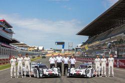 #14 Porsche Team Porsche 919 Hybrid: Romain Dumas, Neel Jani, Marc Lieb and #20 Porsche Team Porsche