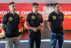 Lotus T129 LMP1 presentatie: Christophe Bouchut, Pierre Kaffer en Christijan Albers