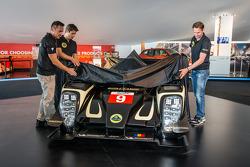 Lotus T129 LMP1 presentatie: Pierre Kaffer, Christophe Bouchut en Christijan Albers onthullen de nie