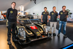 Lotus T129 LMP1 presentatie: Lotus Head of operations Boris Bermes, Pierre Kaffer, Christophe Bouchu