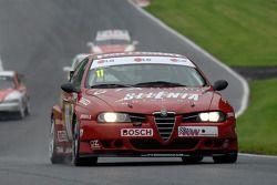 Steven Dymoke,此前Fabrizio Giovanardi 2001赢得ETCC冠军的阿尔法·罗密欧 156 S200