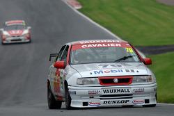 马克·琼斯,杰夫·阿兰的BTCC 1994年沃克斯豪尔骑士ST
