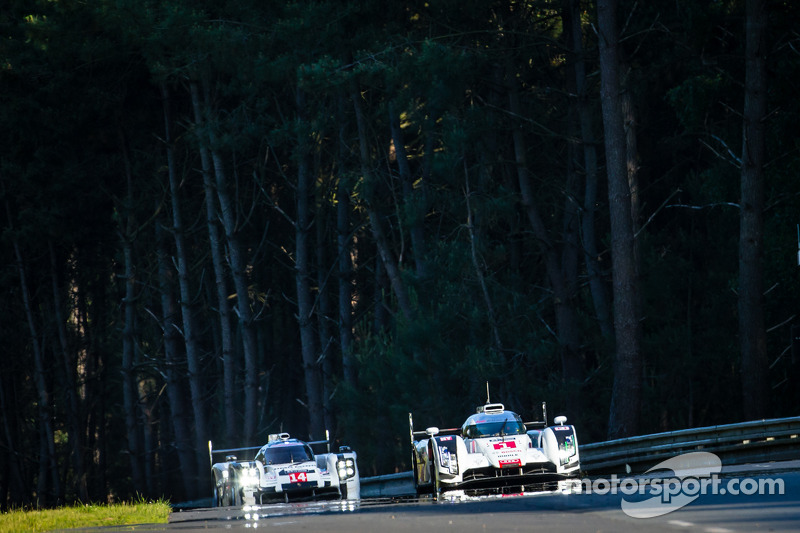 #1 Audi Sport Team Joest Audi R18 E-Tron Quattro: Lucas Di Grassi, Loic Duval, Tom Kristensen, #14 P
