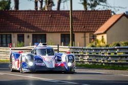 #7 Toyota Racing Toyota TS 040 - Hybrid: Alexander Wurz, Stéphane Sarrazin, Kazuki Nakajima