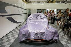 #99 Aston Martin Racing Aston Martin Vantage V8 : Dans son garage après son forfait