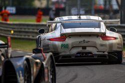 #92 Porsche Team Manthey Porsche 911 RSR (991): Marco Holzer, Frédéric Makowiecki, Richard Lietz