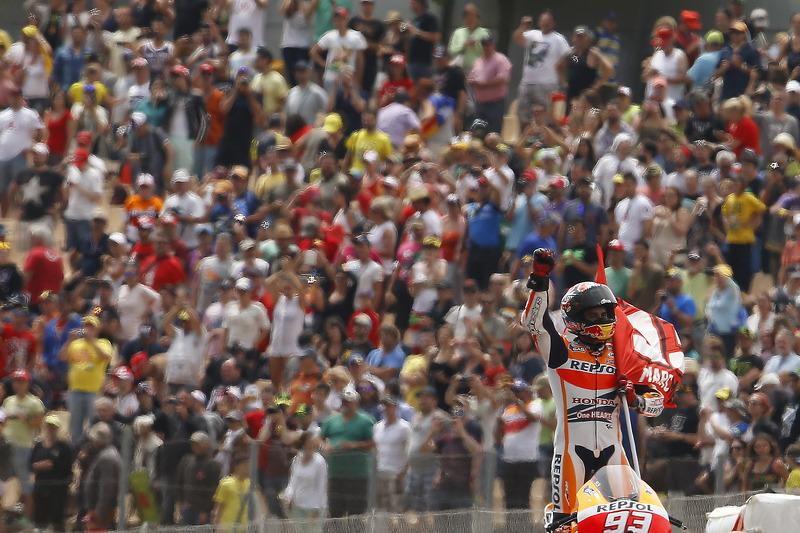 "<img src=""http://cdn-1.motorsport.com/static/custom/car-thumbs/MOTOGP_2017/RIDERS_NUMBERS/Marquez.png"" width=""50"" /> #13 MotoGP Catalunya 2014"