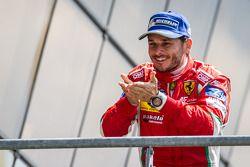 El podio del LMGTE Pro: El ganador, Giancarlo Fisichella.