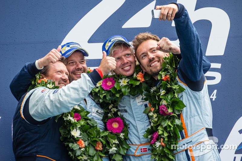 LMGTE Am podium: selfie for class winners Kristian Poulsen, David Heinemeier Hansson, Nicki Thiim