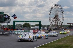 Fernando Alonso gives the start: #79 Prospeed Competition Porsche 911 GT3 RSR (997): Cooper MacNeil,