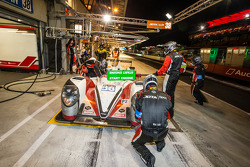 Pitstop: #38 Jota Sport Zytek Z11SN - Nissan: Simon Dolan, Harry Tincknell, Oliver Turvey