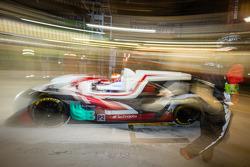 Pit stop per # 38 Jota Sport Zytek Z11SN - Nissan: Simon Dolan, Harry Tincknell, Oliver Turvey