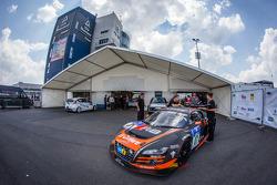WRT Racing Team Audi R8 LMS ultra sotto ispezione tecnica