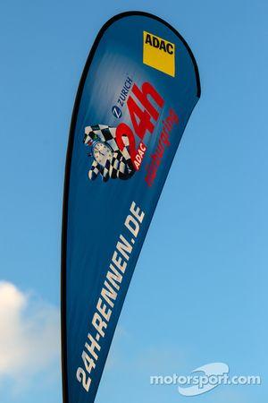 Una señalización de las 24 Horas de Nürburgring.