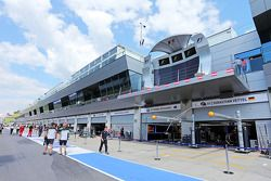 Boxengasse am Red-Bull-Ring