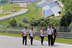 Trackwalk: Felipe Massa, Williams