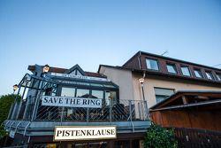 纽伯格的传奇餐馆Pistenklause和酒店 am Tiergarten