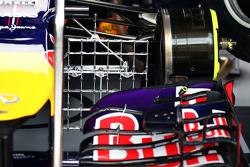 红牛车队RB10赛车,前翼带着测试设备