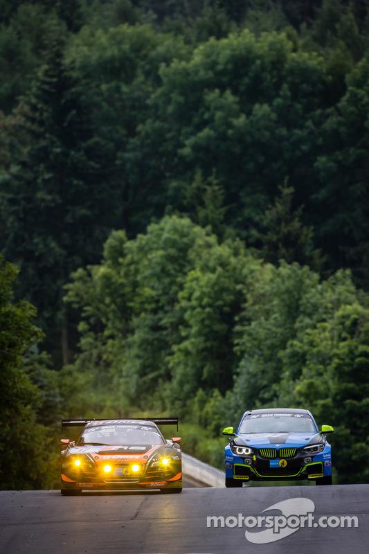 #17 WRT Racing Team 奥迪 R8 LMS ultra: 罗曼·鲁斯诺夫, 斯蒂芬·奥尔特利, 爱德华兹·桑德斯托姆, 尼科·穆勒