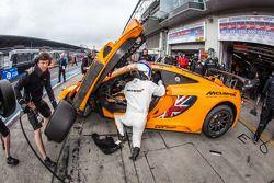#66 Dörr Motorsport McLaren MP4-12C: Kevin Estre, Peter Cox, Tim Mullen, Sascha Bert