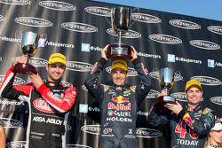 Vainqueur: Jamie Whincup, 2ème Fabian Coulthard, 3ème Craig Lowndes