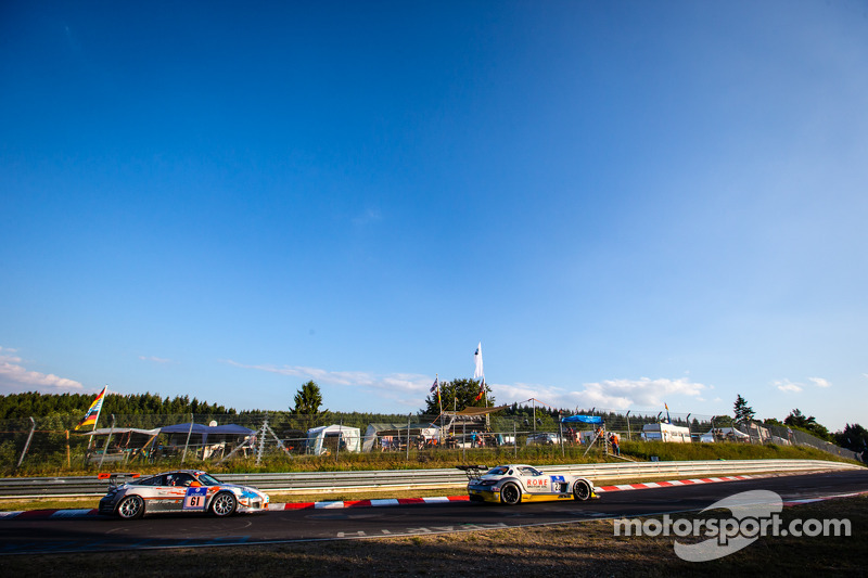 #23 Rowe Racing 梅赛德斯-奔驰 SLS AMG GT3: 克劳斯·格拉芙, 扬·赛费特, 托马斯·贾格尔, 理查德·戈兰森, #61 GetSpeed Performance 保时捷 997 GT3 Cup: 亚当·奥斯耶卡, 斯蒂夫·扬斯, 迪特尔·朔恩施泰因