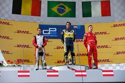 Il vincitore della gara Felipe Nasr, al secondo posto Stoffel Vandoorne e terzo posto per Raffaele M