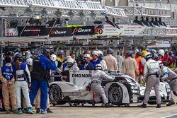 Trouble for the #14 Porsche Team Porsche 919 Hybrid: Romain Dumas, Neel Jani, Marc Lieb
