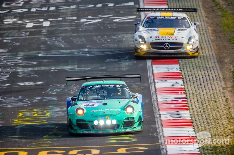 #44 Falken Motorsports 保时捷 997 GT3 R: 彼得·邓布雷克, 沃尔夫·亨泽尔, 亚历山大·因佩拉托里, 马丁·雷齐格, #22 Rowe Racing 梅赛德斯-奔驰 SLS AMG GT3: 马罗·恩格尔, 尼科·巴斯蒂安, 克里斯蒂安·霍恩纳德尔, 迈克尔·策厄