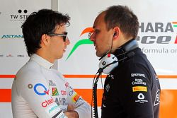 Sergio Perez, Sahara Force India F1, met Gianpiero Lambiase, Sahara Force India F1 Engineer