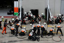 Boxenstopp: Mechaniker, Sahara Force India Formula One Team