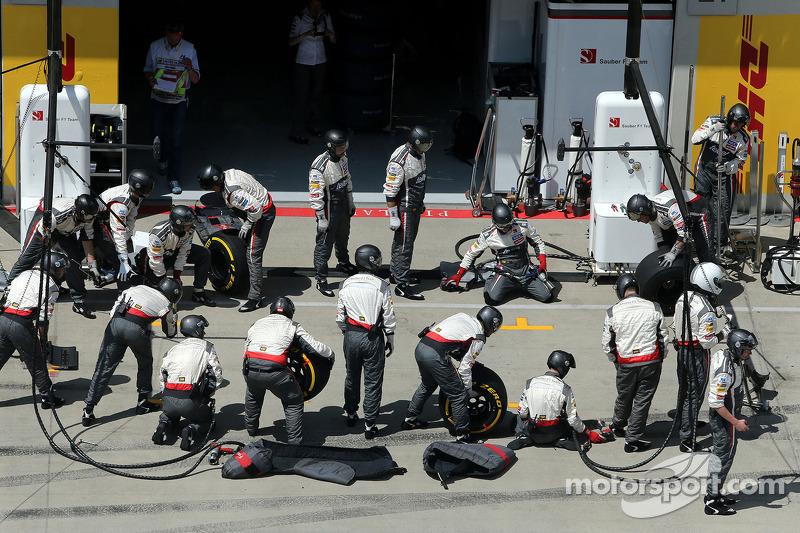 Boxenstopp: Mechaniker, Sauber F1 Team